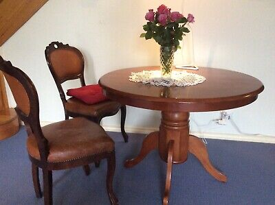 AU275 • Buy Round Dining Room Table, Classic Style