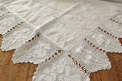 Antique White Linen Hand Embroidered Tablecloth With Lace Edging - Iris • 28£