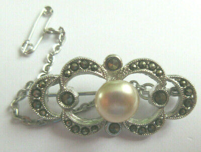Lovely Vintage Silvertone & Marcasite Faux Pearl Brooch Pin With Safety Chain • 3.40£