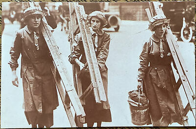 £1 • Buy WW1 Home Front Women At Work Window Cleaners London Nostalgia Postcard 1992