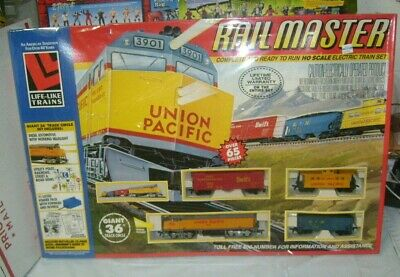 $ CDN90.93 • Buy LIFE-LIKE HO Rail Master Train Set Over 65 Pieces Union Pacific 8901 New
