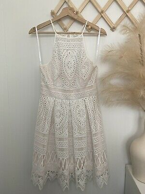 AU32 • Buy FOREVER NEW Brooklyn V-neck Prom Dress White Ivory Porcelain Lace Size 10