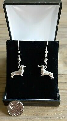 £3.79 • Buy BNWOT Antique Silver Colour Star & Dachshund Sausage Dog Drop Earrings