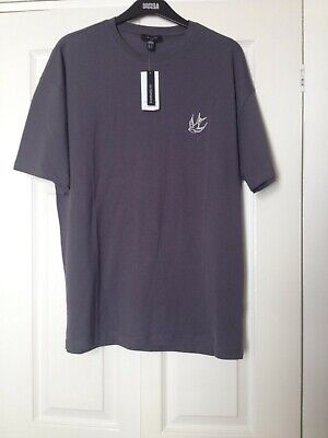 £6 • Buy Grey Swallow Embroidered Oversized T Shirt Mens Size Medium