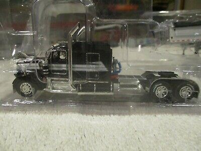 $ CDN203.27 • Buy DCP Diecast Kenworth W900 Stretched With Fender & Wilson Grain Trailer In White