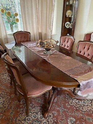 £150 • Buy Italian Walnut Dinning Table And 6 Chairs