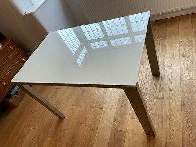 £350 • Buy Stylish Italian Extending Glass Top Dining Table In Fantastic Condition