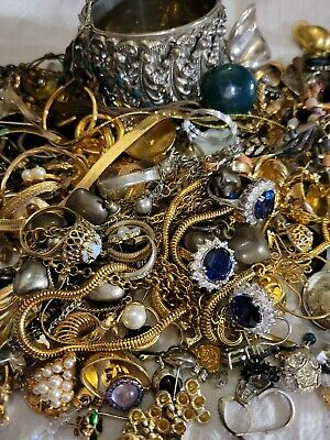 $ CDN26.01 • Buy Vintage To Now Junk Jewelry Lot, Unsearched, Untested!! Small Flat Rate Box FULL