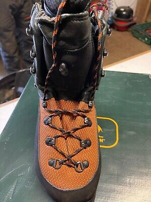 £150 • Buy Chainsaw Boots Sip Grizzly Size 7/8