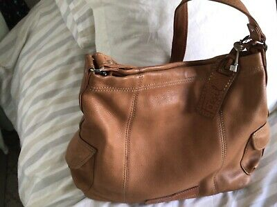 £7.10 • Buy Fossil Tan Leather Shoulder Bag Used But In Lovely Condition ,beautiful Bag