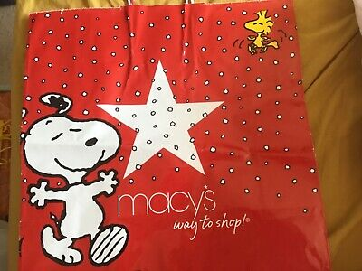 £4 • Buy RARE Macy*s New York Christmas Gift Bag. Snoopy And Woodstock. 12 Years Old.