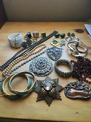 $ CDN23.03 • Buy Lot 22 Vintage Jewelry Bracelets E/r Brooches Necklaces Rings