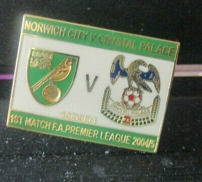 £5.99 • Buy    Norwich City Crystal Palace  Limited Edition 2004  Rare Green Badge