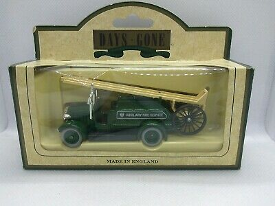 £5 • Buy Lledo Days Gone 12006 1934 Dennis Fire Engine Auxiliary Fire Service Boxed