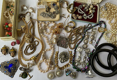 £60 • Buy Quality Vintage Jewellery Collection Brooches Necklaces Earrings 925 Jet Coro
