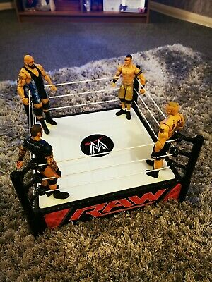 £10 • Buy WWE Raw Wrestling Ring With 4 Figures