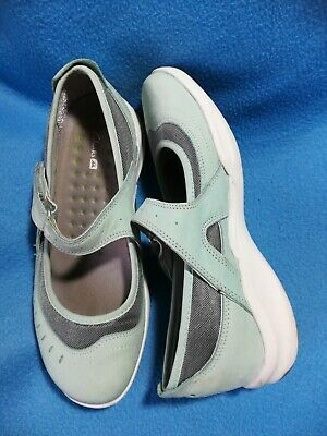 £7 • Buy Clarks Size 4D. Wave Shoes, Pale Blue Nubuck. Used But Good Condition