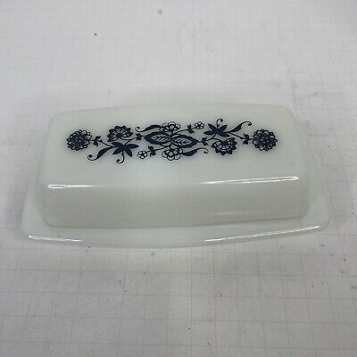 $29.95 • Buy Vintage PYREX Butter Dish Old Town Blue Onion Design On Lid Milk Glass