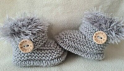 £5.99 • Buy New Baby  Booties  BORN IN 2022. 0-3Months  Hand Knitted Grey (silver) Fur