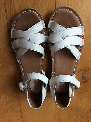 £10 • Buy Clarks Artisan White Leather Open Toe Ankle Strap Flat Sandals Size 6, Worn Once