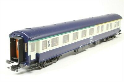 AU55 • Buy Roco 44634 1st / 2nd ClassPassenger Car Of The SNCF  (HO Scale)