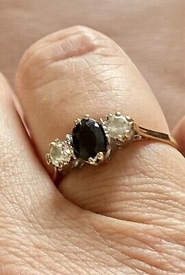 £29.99 • Buy 9ct Gold Trilogy Ring Size 'O' Centre Blue/Black Stone With White CZ Either Side