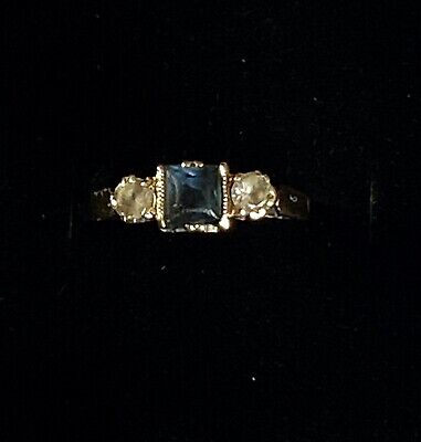 £29.99 • Buy 9ct Gold Trilogy Ring Size 'K-L' Centre Blue Stone With White Stone Either Side