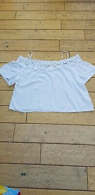 £5 • Buy Ladies White Off The Shoulder Short Top Size S