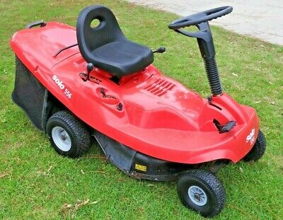 AU1300 • Buy SOLO 556 26  6.5 HP Intek Pro Ride On Lawn Mower With Catcher - Only 10hrs Work.