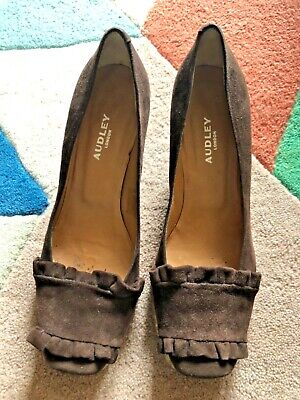£10 • Buy AUDLEY Brown Suede Frilled Shoes With Crepe Soles Size 3.5 Eur 36.5
