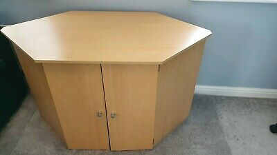 £25 • Buy Office/ Computer Desk With Doors, Hideaway Shelves And Pull Out Keyboard Tray.