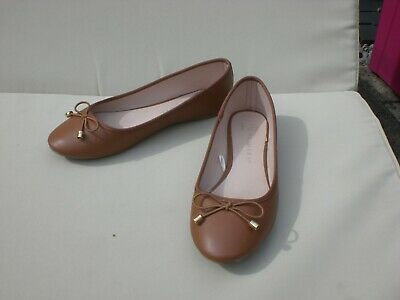 £2 • Buy Tan Ballet Pumps With Bow UK5