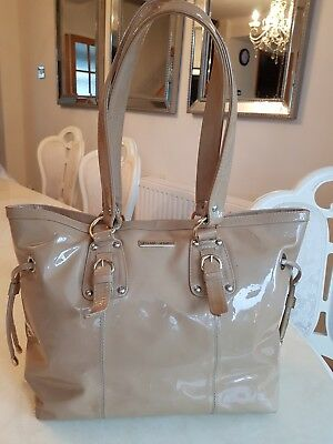 £135 • Buy Russell & Bromley Blush Patent With Gold Hardware Shopper Bag RRP 395