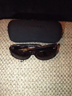 £80 • Buy Vintage Chanel C538/93 55019 Sun Glasses With Case