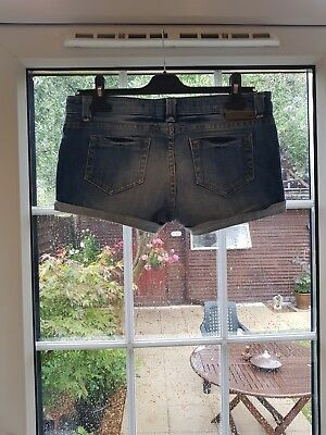 Top Shop Micro Short Denim Shorts • 5£
