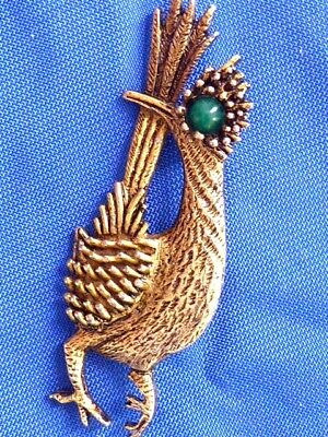 85c6452e7c07 Vintage Gold Tone Signed Ambassador Road Runner Jade Eye Pin Brooch • 20.00$