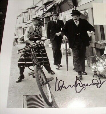 £75 • Buy  Dads Army  Clive Dunn  Ian Lavender  Signed  Aftal