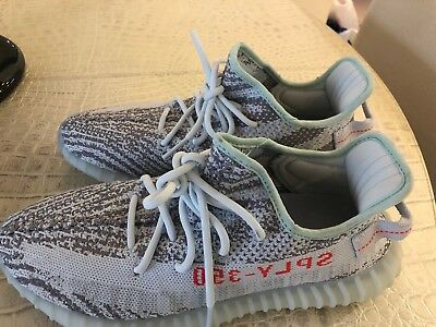 $ CDN501.28 • Buy Yeezy Boost 350 V2 Blue Titnt