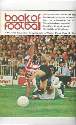 Book Of Football Marshall Cavendish 1971 Part 11 • 4£