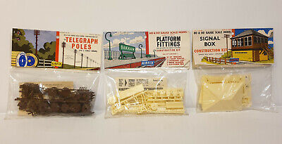 Trains : Telegraph Poles H0 & 00 Gauge Scale Model Kit Made By Airfix  • 18£