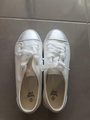 AU35 • Buy Unwanted Gift White Shoes Sz 8 Just Jeans Good As New