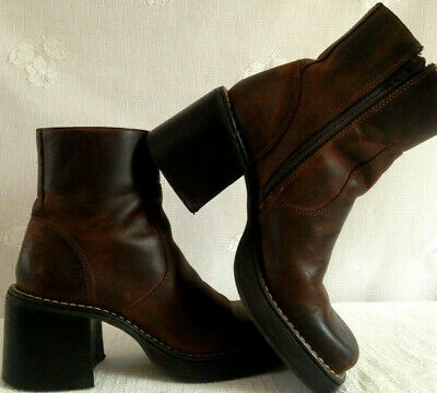dfb0a26bc46 Vintage 90s American Eagle Brown Leather Chunky Platform Ankle Boots  Women s 8M • 74.99
