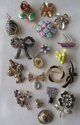 $ CDN55 • Buy Vintage Lot Of 18 Gold Tone Enamelled Brooches And Pendant With Rhinestones
