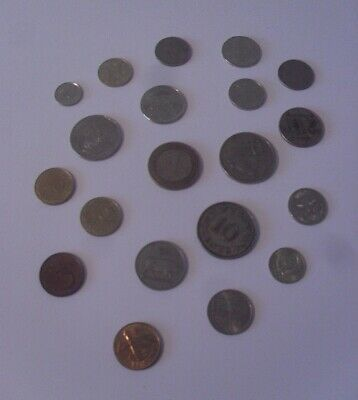Selection Of 20 Foreign Coins • 4£