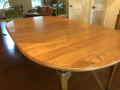 Ethan Allen Dining Table - Local Pickup • 75$
