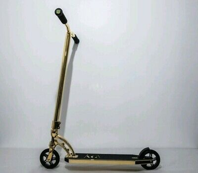 Stunt Scooter Gold • 4,000£