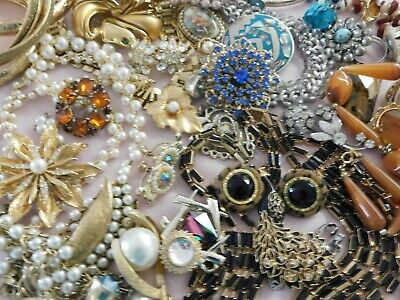 $ CDN26.74 • Buy  43 Piece Lot Of Vintage Costume Jewelry Rhinestones Rings Brooches Necklace