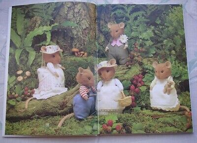 BRAMBLY HEDGE TOYS  SEWING PATTERN BOOK  ( Hard Back ) • 9.99£
