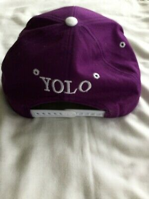 YOLO Baseball Cap - City Gang Snapback • 10£