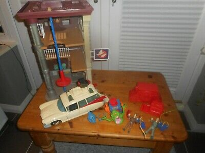 Vintage Ghostbusters Fire Station From 80's Plus Ecto 1 Car + Figures+parts Ghos • 6.50£